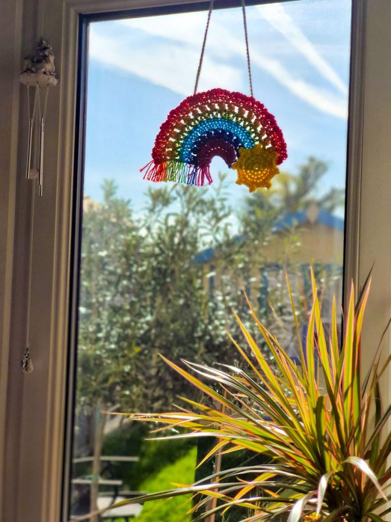 Crochet rainbow hanging pattern free