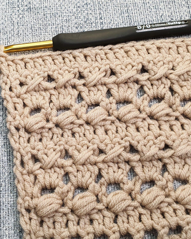 Textured crochet stitch for blankets