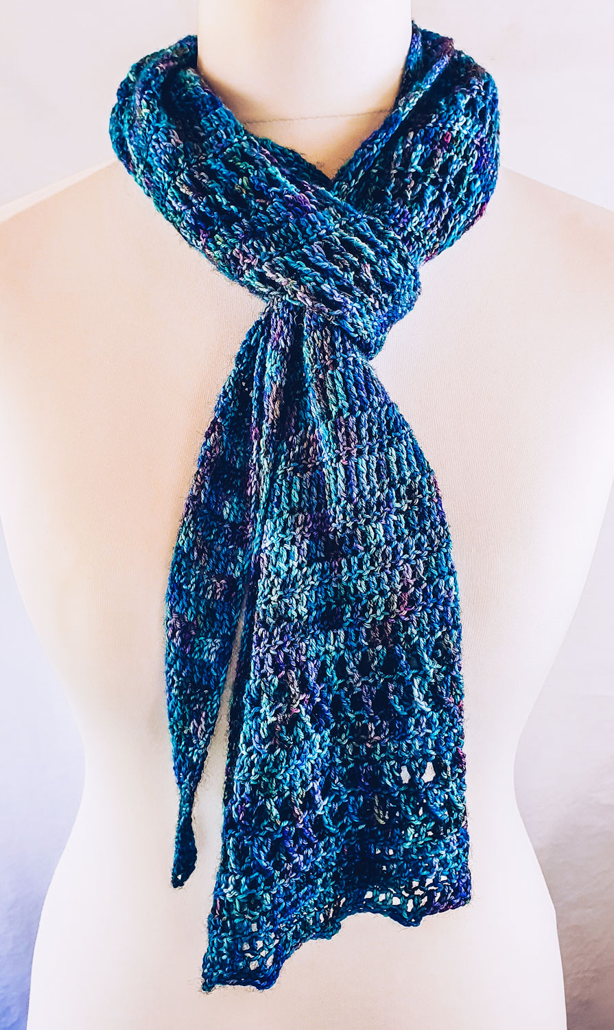 Chic way to tie a long scarf or shawl